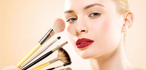بهترین آرایشگاه زنانه در مشهد ماهک رخ