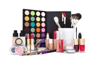 سالم ترین لوزام آرایشی در آرایشگاه زنانه خوب در مشهد